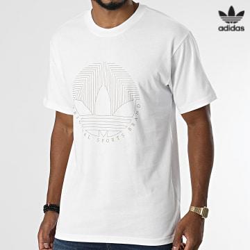 https://laboutiqueofficielle-res.cloudinary.com/image/upload/v1627646526/Desc/Watermark/3adidas_orginal.svg Adidas Originals - Tee Shirt H31334 Blanc