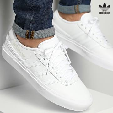 https://laboutiqueofficielle-res.cloudinary.com/image/upload/v1627646526/Desc/Watermark/3adidas_orginal.svg Adidas Originals - Baskets Delpala CL H02385 Cloud White