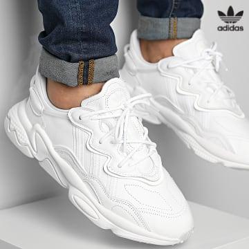 https://laboutiqueofficielle-res.cloudinary.com/image/upload/v1627646526/Desc/Watermark/3adidas_orginal.svg Adidas Originals - Baskets Ozweego GW8013 Could White Crystal White
