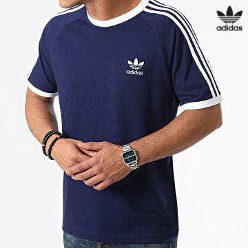 https://laboutiqueofficielle-res.cloudinary.com/image/upload/v1627646526/Desc/Watermark/3adidas_orginal.svg Adidas Originals - Tee Shirt A Bandes Classic 3 Stripes H37760 Bleu Marine