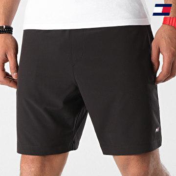 https://laboutiqueofficielle-res.cloudinary.com/image/upload/v1627646949/Desc/Watermark/10logo_tommy_sport.svg Tommy Sport - Short Jogging Logo 7257 Noir