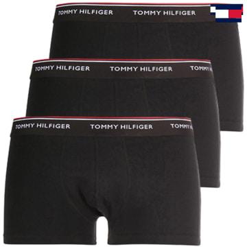 https://laboutiqueofficielle-res.cloudinary.com/image/upload/v1627647047/Desc/Watermark/7logo_tommy_hilfiger.svg Tommy Hilfiger - Lot De 3 Boxers Premium Essential Noir
