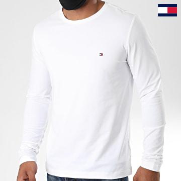 https://laboutiqueofficielle-res.cloudinary.com/image/upload/v1627647047/Desc/Watermark/7logo_tommy_hilfiger.svg Tommy Hilfiger - Tee Shirt Manches Longues Stretch Fit Slim 0804 Blanc