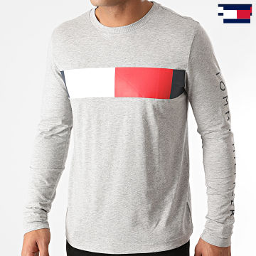 https://laboutiqueofficielle-res.cloudinary.com/image/upload/v1627647047/Desc/Watermark/7logo_tommy_hilfiger.svg Tommy Hilfiger - Tee Shirt Manches Longues Branded Corp 5337 Gris Chiné