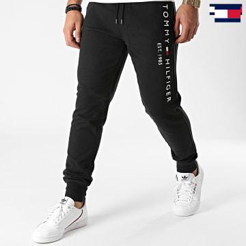 https://laboutiqueofficielle-res.cloudinary.com/image/upload/v1627647047/Desc/Watermark/7logo_tommy_hilfiger.svg Tommy Hilfiger - Pantalon Jogging Basic Branded 8388 Noir