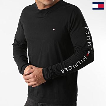 https://laboutiqueofficielle-res.cloudinary.com/image/upload/v1627647047/Desc/Watermark/7logo_tommy_hilfiger.svg Tommy Hilfiger - Tee Shirt Manches Longues Logo 9096 Noir