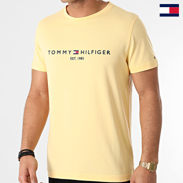 https://laboutiqueofficielle-res.cloudinary.com/image/upload/v1627647047/Desc/Watermark/7logo_tommy_hilfiger.svg Tommy Hilfiger - Tee Shirt Tommy Logo 1797 Jaune