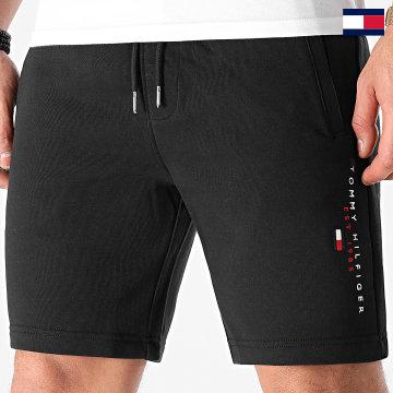 https://laboutiqueofficielle-res.cloudinary.com/image/upload/v1627647047/Desc/Watermark/7logo_tommy_hilfiger.svg Tommy Hilfiger - Short Jogging Essential Tommy 7401 Noir