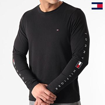 https://laboutiqueofficielle-res.cloudinary.com/image/upload/v1627647047/Desc/Watermark/7logo_tommy_hilfiger.svg Tommy Hilfiger - Tee Shirt Manches Longues Essential Tommy 7677 Noir