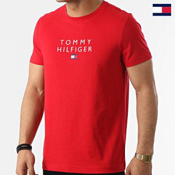 https://laboutiqueofficielle-res.cloudinary.com/image/upload/v1627647047/Desc/Watermark/7logo_tommy_hilfiger.svg Tommy Hilfiger - Tee Shirt Stacked Tommy Flag 7663 Rouge