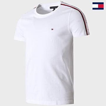 https://laboutiqueofficielle-res.cloudinary.com/image/upload/v1627647047/Desc/Watermark/7logo_tommy_hilfiger.svg Tommy Hilfiger - Tee Shirt A Bandes 7659 Blanc