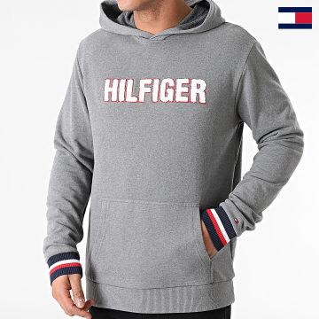 https://laboutiqueofficielle-res.cloudinary.com/image/upload/v1627647047/Desc/Watermark/7logo_tommy_hilfiger.svg Tommy Hilfiger - Sweat Capuche 1934 Gris Chiné