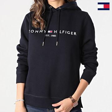 https://laboutiqueofficielle-res.cloudinary.com/image/upload/v1627647047/Desc/Watermark/7logo_tommy_hilfiger.svg Tommy Hilfiger - Sweat Capuche Femme Heritage 1998 Bleu Marine