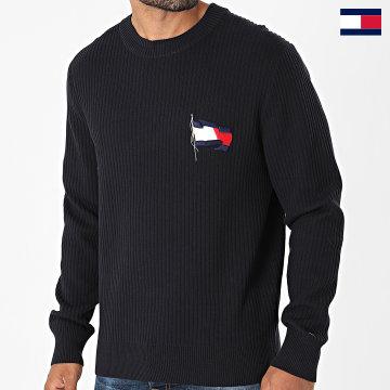https://laboutiqueofficielle-res.cloudinary.com/image/upload/v1627647047/Desc/Watermark/7logo_tommy_hilfiger.svg Tommy Hilfiger - Pull Wavy Flag Graphic 6558 Bleu Marine