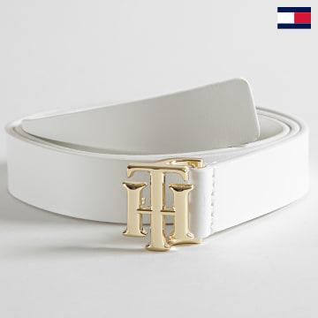 https://laboutiqueofficielle-res.cloudinary.com/image/upload/v1627647047/Desc/Watermark/7logo_tommy_hilfiger.svg Tommy Hilfiger - Ceinture Femme Logo Leather 0075 Blanc