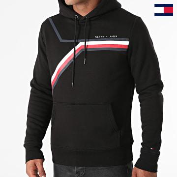 https://laboutiqueofficielle-res.cloudinary.com/image/upload/v1627647047/Desc/Watermark/7logo_tommy_hilfiger.svg Tommy Hilfiger - Sweat Capuche Split Corp Stripe 1115 Noir