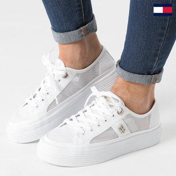 https://laboutiqueofficielle-res.cloudinary.com/image/upload/v1627647047/Desc/Watermark/7logo_tommy_hilfiger.svg Tommy Hilfiger - Baskets Femme Mesh Vulcanized 5793 White