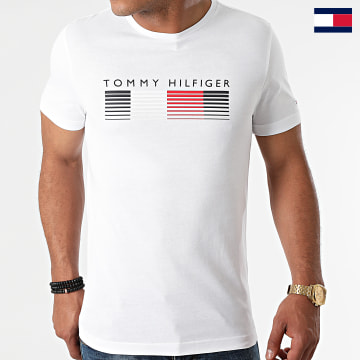 https://laboutiqueofficielle-res.cloudinary.com/image/upload/v1627647047/Desc/Watermark/7logo_tommy_hilfiger.svg Tommy Hilfiger - Tee Shirt Fade Graphic Corp 1008 Blanc