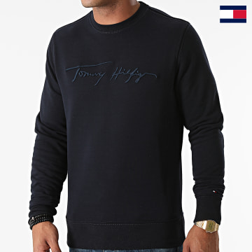 https://laboutiqueofficielle-res.cloudinary.com/image/upload/v1627647047/Desc/Watermark/7logo_tommy_hilfiger.svg Tommy Hilfiger - Sweat Crewneck Signature 8710 Bleu Marine