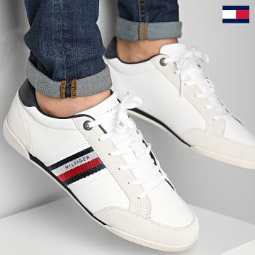 https://laboutiqueofficielle-res.cloudinary.com/image/upload/v1627647047/Desc/Watermark/7logo_tommy_hilfiger.svg Tommy Hilfiger - Baskets Corporate Material Mix Leather 3741 White
