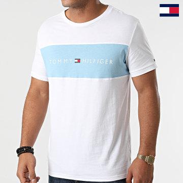 https://laboutiqueofficielle-res.cloudinary.com/image/upload/v1627647047/Desc/Watermark/7logo_tommy_hilfiger.svg Tommy Hilfiger - Tee Shirt CN Logo Flag 1170 Blanc Bleu Ciel