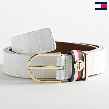 https://laboutiqueofficielle-res.cloudinary.com/image/upload/v1627647047/Desc/Watermark/7logo_tommy_hilfiger.svg Tommy Hilfiger - Ceinture Femme Classic Belt 0867 Blanc