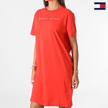 https://laboutiqueofficielle-res.cloudinary.com/image/upload/v1627647047/Desc/Watermark/7logo_tommy_hilfiger.svg Tommy Hilfiger - Robe Tee Shirt Femme Regular 1639 Rouge Corail