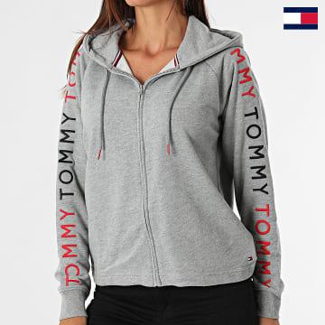 https://laboutiqueofficielle-res.cloudinary.com/image/upload/v1627647047/Desc/Watermark/7logo_tommy_hilfiger.svg Tommy Hilfiger - Sweat Zippé Capuche Femme 2867 Gris Chiné
