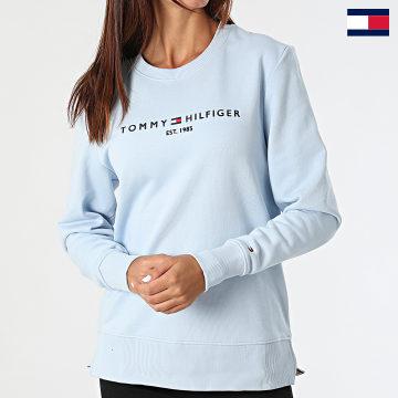 https://laboutiqueofficielle-res.cloudinary.com/image/upload/v1627647047/Desc/Watermark/7logo_tommy_hilfiger.svg Tommy Hilfiger - Sweat Crewneck Femme Regular 8220 Bleu Clair