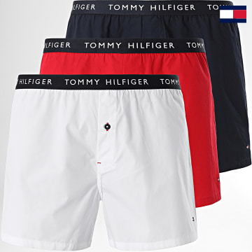 https://laboutiqueofficielle-res.cloudinary.com/image/upload/v1627647047/Desc/Watermark/7logo_tommy_hilfiger.svg Tommy Hilfiger - Lot De 3 Boxers 2327 Rouge Bleu Marine Blanc