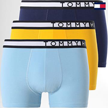 https://laboutiqueofficielle-res.cloudinary.com/image/upload/v1627647047/Desc/Watermark/7logo_tommy_hilfiger.svg Tommy Hilfiger - Lot De 3 Boxers Premium Essentials 2202 Jaune Bleu