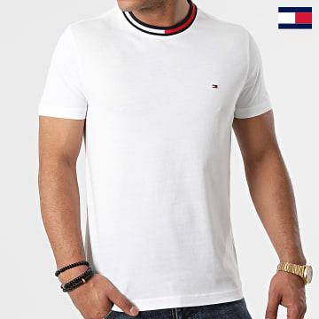 https://laboutiqueofficielle-res.cloudinary.com/image/upload/v1627647047/Desc/Watermark/7logo_tommy_hilfiger.svg Tommy Hilfiger - Tee-shirt Cool Flag 4299 Blanc