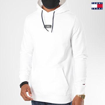 https://laboutiqueofficielle-res.cloudinary.com/image/upload/v1627651009/Desc/Watermark/3logo_tommy_jeans.svg Tommy Jeans - Sweat Capuche Essential Graphic 8406 Blanc