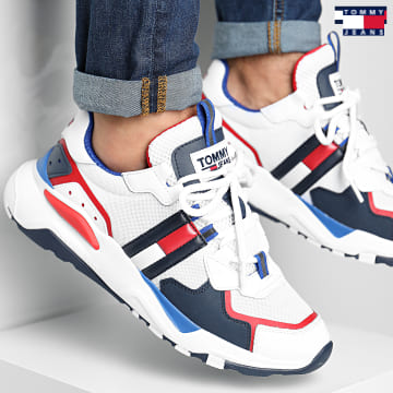 https://laboutiqueofficielle-res.cloudinary.com/image/upload/v1627651009/Desc/Watermark/3logo_tommy_jeans.svg Tommy Jeans - Baskets Cool Runner 0484 RWB