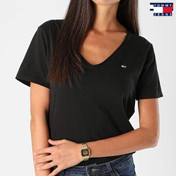 https://laboutiqueofficielle-res.cloudinary.com/image/upload/v1627651009/Desc/Watermark/3logo_tommy_jeans.svg Tommy Jeans - Tee Shirt Femme Col V Jersey 9195 Noir