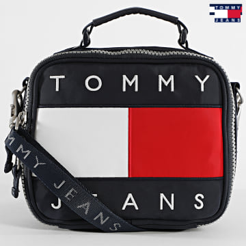 https://laboutiqueofficielle-res.cloudinary.com/image/upload/v1627651009/Desc/Watermark/3logo_tommy_jeans.svg Tommy Jeans - Sac A Main Femme Heritage Crossover 8670 Bleu Marine