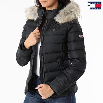https://laboutiqueofficielle-res.cloudinary.com/image/upload/v1627651009/Desc/Watermark/3logo_tommy_jeans.svg Tommy Jeans - Doudoune Capuche Fourrure Femme Basic 8588 Noir