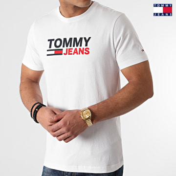 https://laboutiqueofficielle-res.cloudinary.com/image/upload/v1627651009/Desc/Watermark/3logo_tommy_jeans.svg Tommy Jeans - Tee Shirt Corp Logo 0214 Blanc