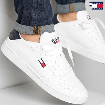 https://laboutiqueofficielle-res.cloudinary.com/image/upload/v1627651009/Desc/Watermark/3logo_tommy_jeans.svg Tommy Jeans - Baskets Essential Cupsole 0647 White
