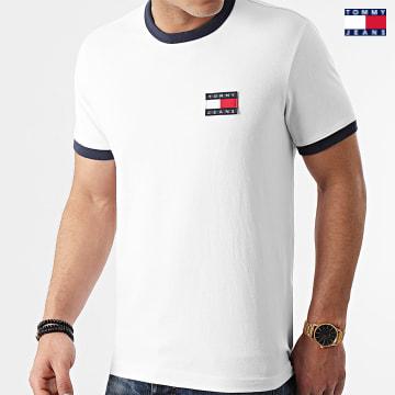 https://laboutiqueofficielle-res.cloudinary.com/image/upload/v1627651009/Desc/Watermark/3logo_tommy_jeans.svg Tommy Jeans - Tee Shirt Badge Ringer 0280 Blanc