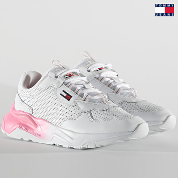 https://laboutiqueofficielle-res.cloudinary.com/image/upload/v1627651009/Desc/Watermark/3logo_tommy_jeans.svg Tommy Jeans - Baskets Femme Chunky Tech Gradient Runner 1293 White