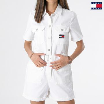 https://laboutiqueofficielle-res.cloudinary.com/image/upload/v1627651009/Desc/Watermark/3logo_tommy_jeans.svg Tommy Jeans - Combinaison Short Femme Boilersuit 9837 Ecru