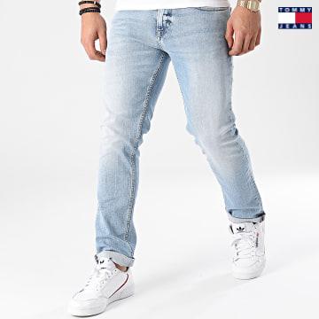 https://laboutiqueofficielle-res.cloudinary.com/image/upload/v1627651009/Desc/Watermark/3logo_tommy_jeans.svg Tommy Jeans - Jean Slim Scanton 9913 Bleu Denim
