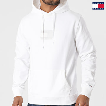 https://laboutiqueofficielle-res.cloudinary.com/image/upload/v1627651009/Desc/Watermark/3logo_tommy_jeans.svg Tommy Jeans - Sweat Capuche Tommy Gel Flag 0336 Blanc
