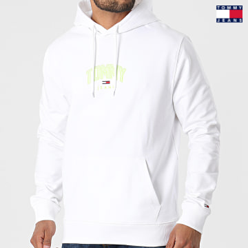 https://laboutiqueofficielle-res.cloudinary.com/image/upload/v1627651009/Desc/Watermark/3logo_tommy_jeans.svg Tommy Jeans - Sweat Capuche Lightweight Tommy 0628 Blanc