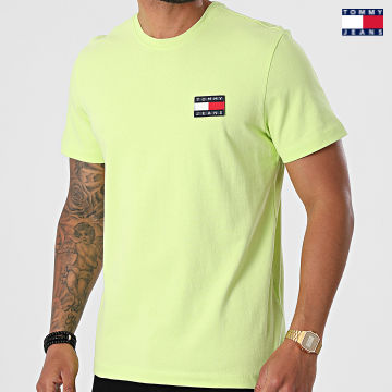 https://laboutiqueofficielle-res.cloudinary.com/image/upload/v1627651009/Desc/Watermark/3logo_tommy_jeans.svg Tommy Jeans - Tee Shirt Tommy Badge 6595 Vert Clair