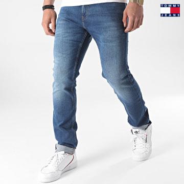 https://laboutiqueofficielle-res.cloudinary.com/image/upload/v1627651009/Desc/Watermark/3logo_tommy_jeans.svg Tommy Jeans - Jean Slim Scanton 9549 Bleu Denim