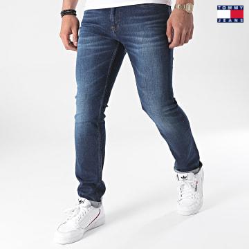 https://laboutiqueofficielle-res.cloudinary.com/image/upload/v1627651009/Desc/Watermark/3logo_tommy_jeans.svg Tommy Jeans - Jean Slim Scanton 9553 Bleu Brut