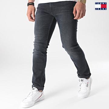 https://laboutiqueofficielle-res.cloudinary.com/image/upload/v1627651009/Desc/Watermark/3logo_tommy_jeans.svg Tommy Jeans - Jean Slim Scanton 9561 Noir