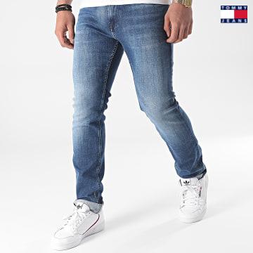https://laboutiqueofficielle-res.cloudinary.com/image/upload/v1627651009/Desc/Watermark/3logo_tommy_jeans.svg Tommy Jeans - Jean Slim Scanton 9564 Bleu Denim